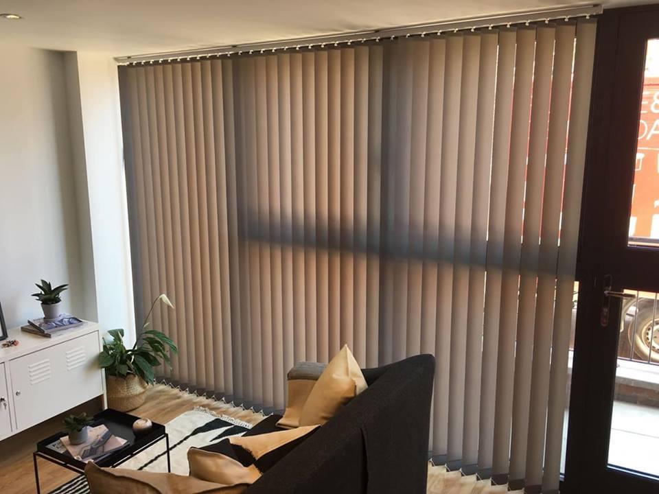 Warna gorden untuk ruang kerja